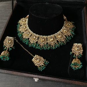Green and gold bib necklace